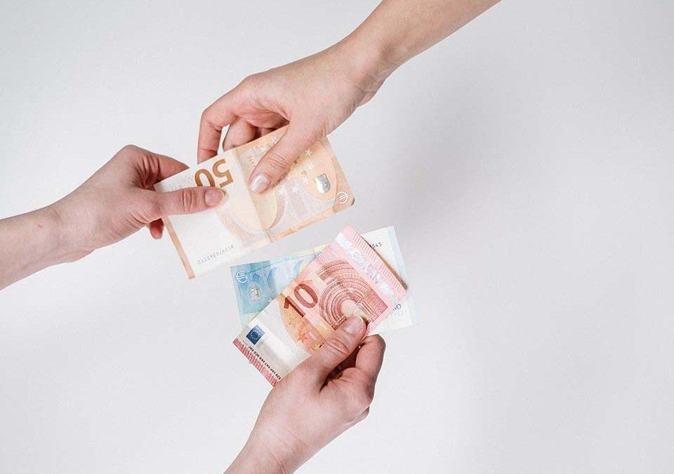 時常會聽有人提到「二胎借款」一詞,究竟什麼是二胎借款?辦理二胎條件需要什麼資格?二胎利率會不會高得嚇人?有合法的二胎利息作為借款時的保障嗎?出社會之後,成家立業的壓力也隨之而來,加上經濟不景氣的風氣,造成現代社會最容易接觸到的事項,一為投資理財,賺取長久型的資金,二為申貸資金,短期內取得資金,暫時緩解資金不足的窘…
